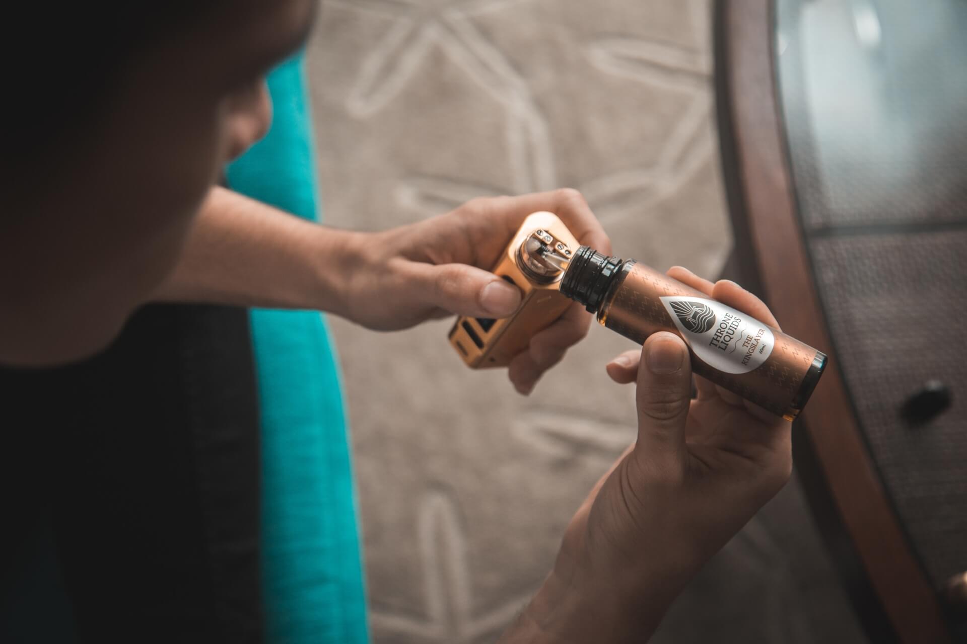 E-Liquid nachfüllen bei E-Zigarette